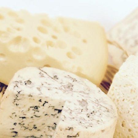 Россельхознадзор может ввести запрет на белорусские сыры и мясо